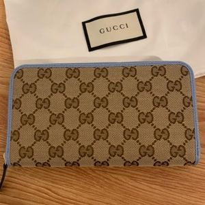 GUCCI - NWT GG Canvas Zip Wallet